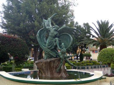 Plaza principal de Tiquipaya – Cochabamba