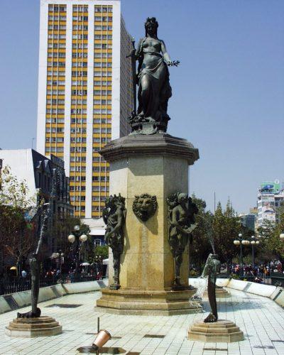 Plaza Colon – La Paz